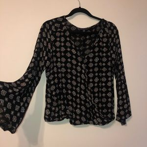 American Eagle patterned drape top